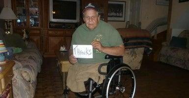 Vietnam veteran thanks Lowe's employees for fixing his broken wheelchair. (Photo: NBC via Twitter)