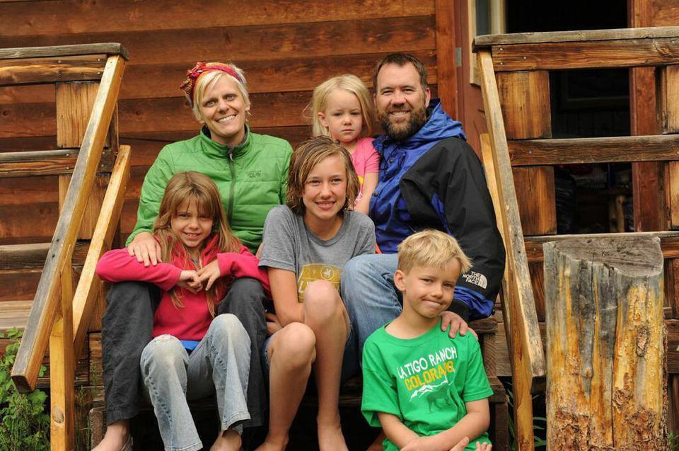 Kara Tippetts and her family. (Photo: Mundane Faithfulness Facebook Page)