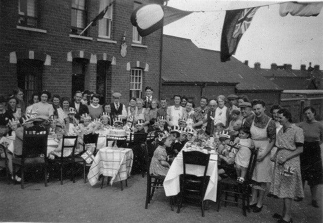 VE-Day Party in 1945 Phyllis Street, Barry Island. (Photo: Simon Evans/CC by 2.0)