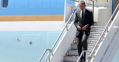President Obama lands in Los Angeles to attend two fundraisers and to speak at a Los Angeles Trade-technical College. (Photo: Andy Johnstone/Splash News)