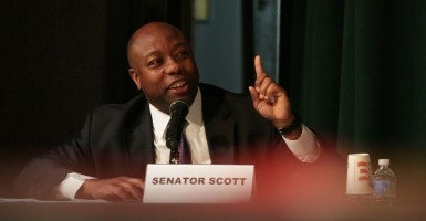 Sen. Tim Scott, R-S.C., introduced legislation Tuesday that would give $100 million a year in federal funds to police departments to outfit officers with body cameras. (Photo: House Oversight and Government Reform Committee)