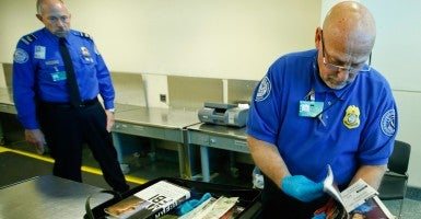 TSA failed to stop undercover agents in 67 out of 70 recent probes, according to ABC News. (Photo: Kamil Krzaczynski/EPA/Newscom)