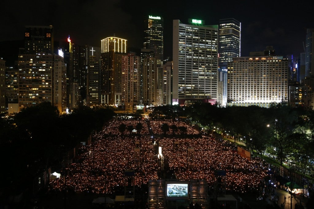 Hong Kong residents hold a candlelight vigil, standing in solidarity with the student protesters of 1989, as today marks 26th anniversary of 1989 student-led Tiananmen Square protest. (Photo: David G. Mcintyre/ZUMA Press/Newscom)