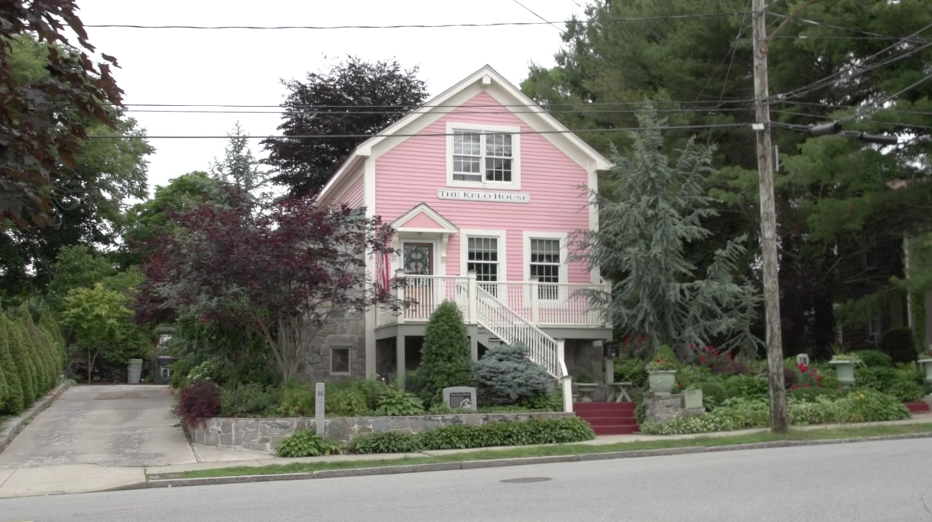 Susette Kelo's pink house at its new location on Franklin St. in New London.