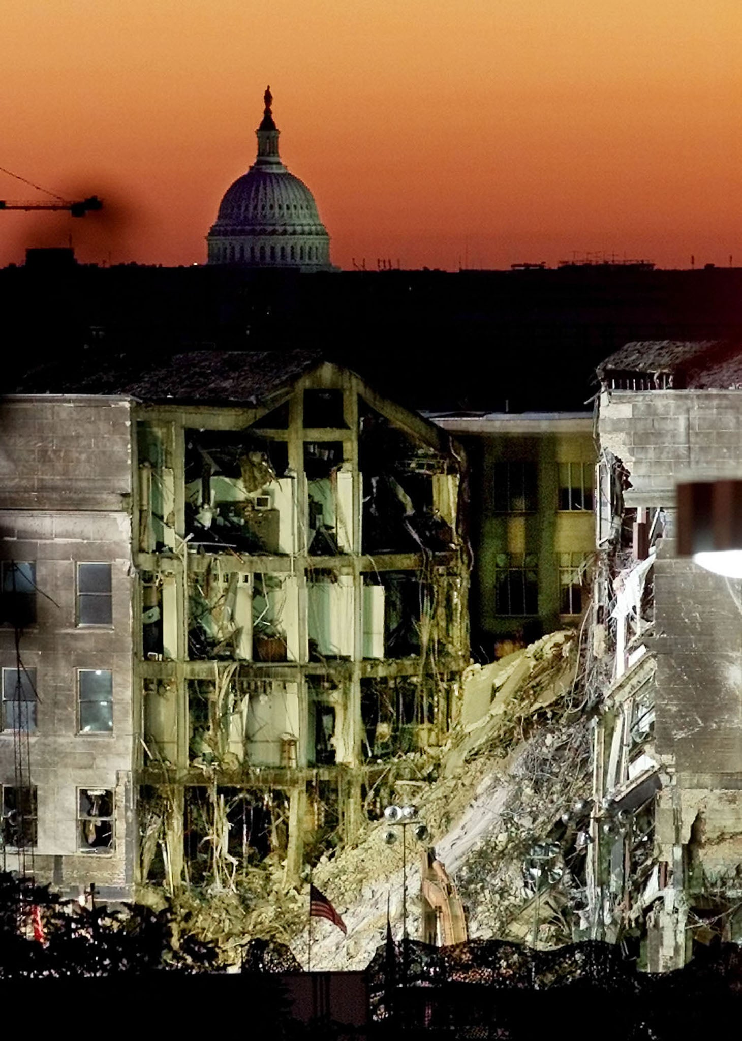 photos of and the days after six days after the attack on the pentagon at sunrise 17 2001