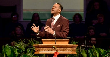 Former Atlanta Fire Chief Kelvin Cochran speaks about suffering at Abilene Baptist Church in Georgia. (Photo: Mike Adams/ZUMA Press/Newscom)