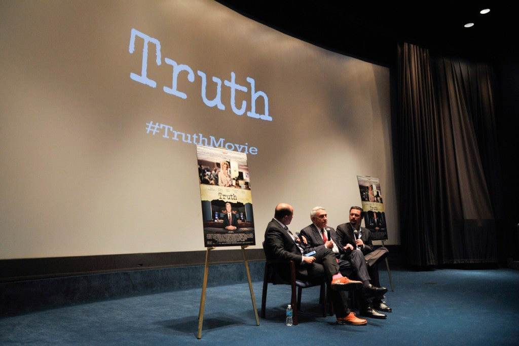 "Brian Stelter, left, from CNN's ""Reliable Sources"" speaks with former CBS News anchor Dan Rather and ""Truth"" director James Vanderbilt following the movie's screening in Washington, D.C., on Oct. 14. (Photo: Kris Connor/Sipa USA/Newscom)"