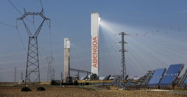 Spain-based renewable energy giant Abengoa is suspending work at six U.S. plants. (Photo: Marcelo Del Pozo/Reuters/Newscom)