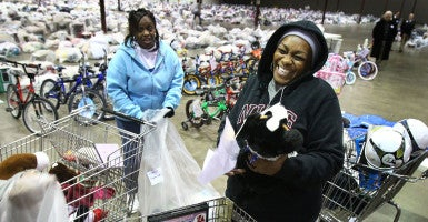 As part of its Angel Tree program, the Salvation Army invites parents to pick up donated gifts for their children. (Photo: Mark Weber/The Commercial Appeal/Newscom)