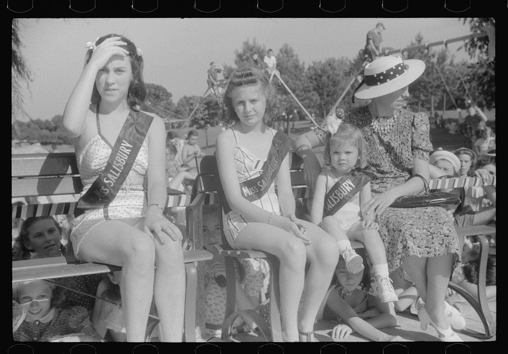 Beauty contest during July 4th celebration at Salisbury, Maryland, 1940. (Photo: Jack Delano/ The Library of Congress)
