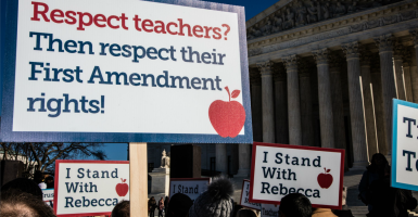 Supporters rally for Rebecca Friedrichs and nine other California teachers Monday outside the U.S. Supreme Court.  (Photo: Jeff Malet/SIPA/Newscom)