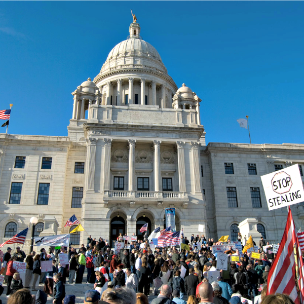 A tea party rally at the Rhode Island statehouse in April 2009. (Photo courtesy Mike Puyana)