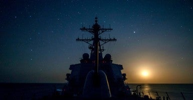 Guided-missile destroyer USS Gonzalez transits the Indian Ocean. (Photo: U.S. Navy photo by Mass Communication Specialist 3rd Class Pasquale Sena/Released)