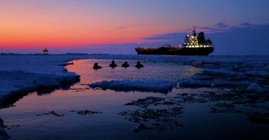 Icebreaker Polar Star Turns 40 Heres Why US Needs A New One
