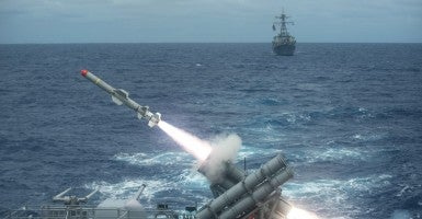 A Harpoon missile is launched from the guided missile cruiser USS Shiloh. (Photo:  Mass Communication Specialist 3rd Class Kevin V. Cunningham, U.S. Navy/Released)