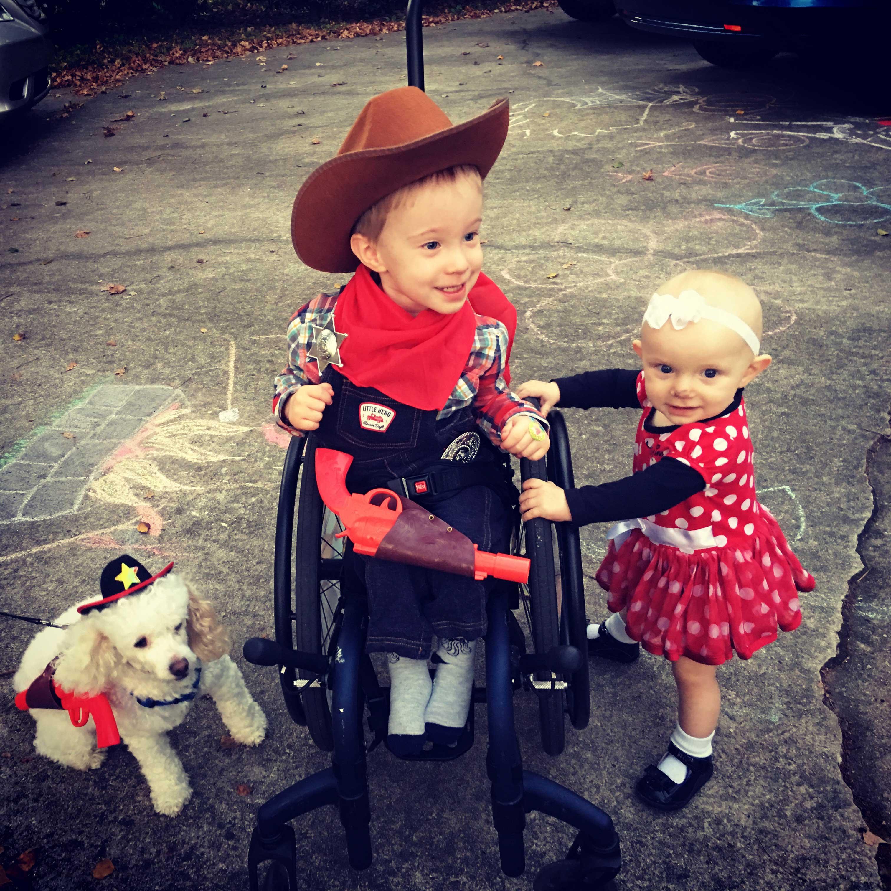 Montgomery Weer, left, and his sister, Evangeline. (Photo: Marjorie Weer)