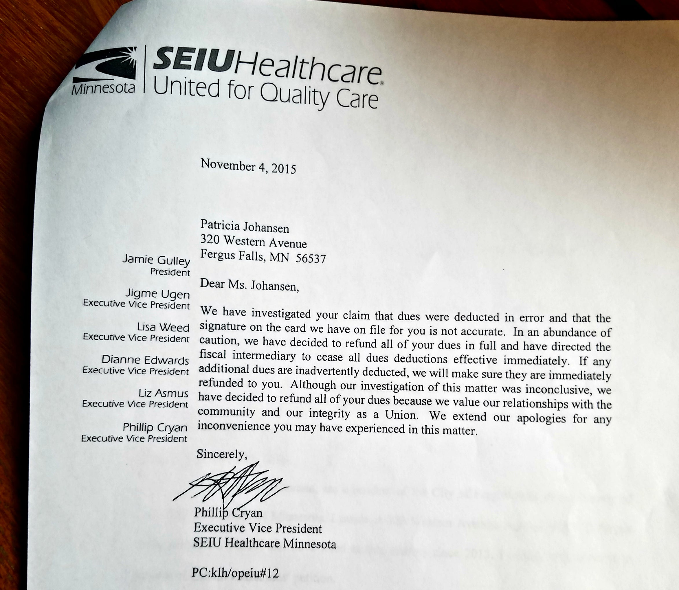 The letter from SEIU official Phillip Cryan to Patricia Johansen. (Photo: Kevin Mooney/The Daily Signal)