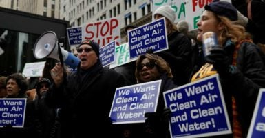 Federal employees who are members of the American Federation of Government Employees Local 704 protest at a rally on March 2 in Chicago. (Photo: John Grass/Reauters/Newscom)