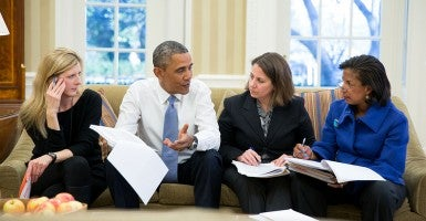 From left to right: Kathryn Ruemmler, Counsel to the President; President Barack Obama; Lisa Monaco, Assistant to the President for Homeland Security and Counterterrorism; and National Security Advisor Susan E. Rice in the Oval Office. (Photo: Pete Souza/White House Flickr)