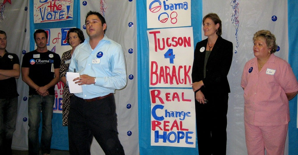 Raul Alvillar at an Obama campaign office opening in 2007. (Photo: Barack Obama Flickr/ CC BY-NC-SA 2.0)