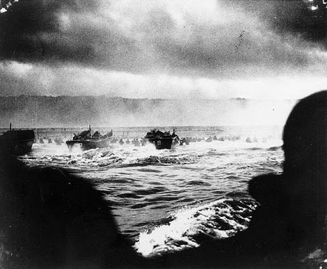 A convoy of landing craft nears the beach at Normandy. (Photo: US Army/Flickr)