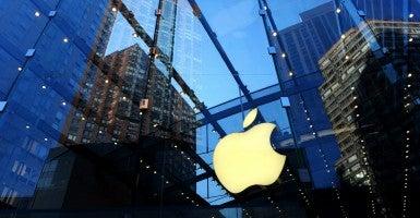 An Apple store in Manhattan. (Photo: Anthony Behar/Sipa USA/Newscom)