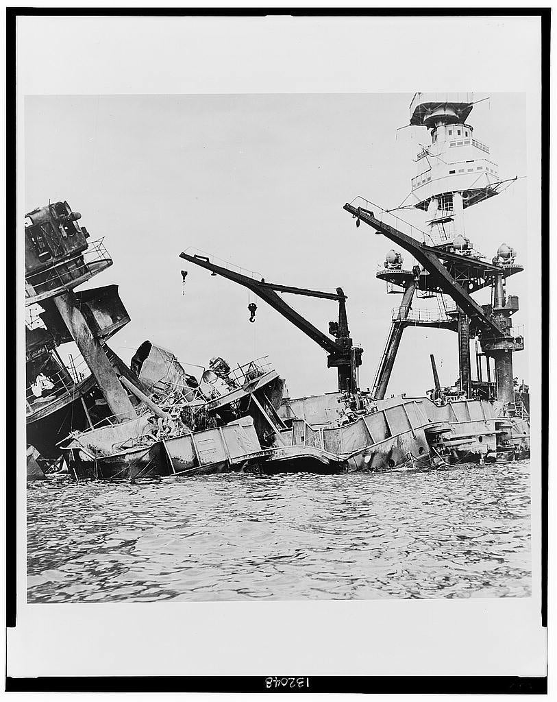 Wreckage of USS Arizona. (Photo: Library of Congress Prints and Photographs)