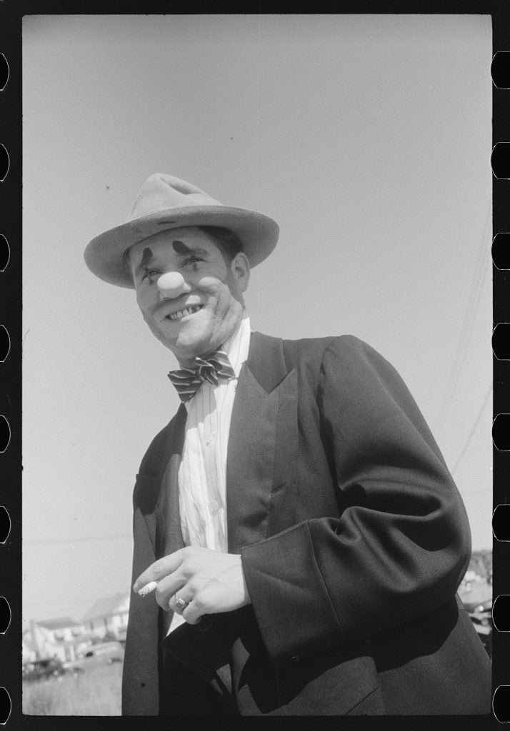 Clown at July 4th celebration in Salisbury, Maryland, 1940. (Photo: Jack Delano/ The Library of Congress)