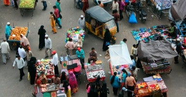 Indian street market. (Photo: Red Dees/Getty Images)