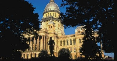 The Illinois Capitol. (Photo: G. KUNZ/KRT/Newscom)