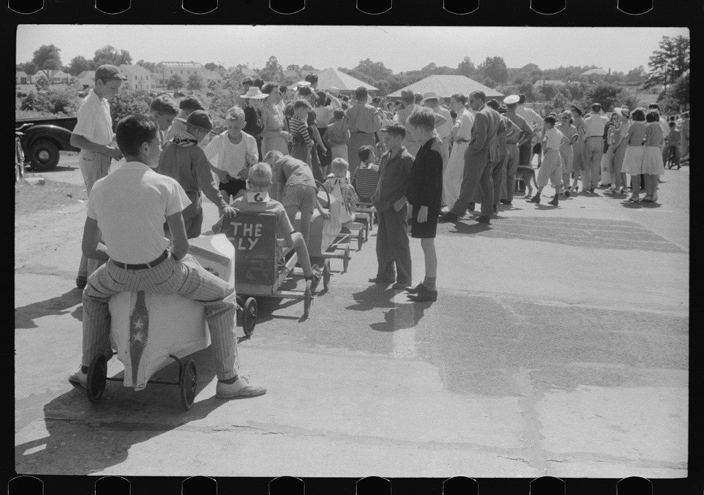 A soapbox auto race is part of the festivities July 4th, 1940. (Photo: Jack Delano/ The Library of Congress)