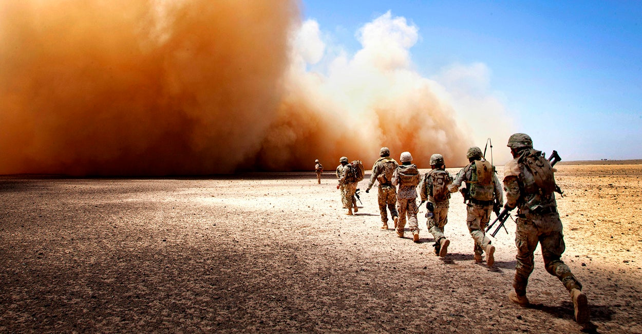 37 Extraordinary Photos of the U.S. Marine Corps in Action