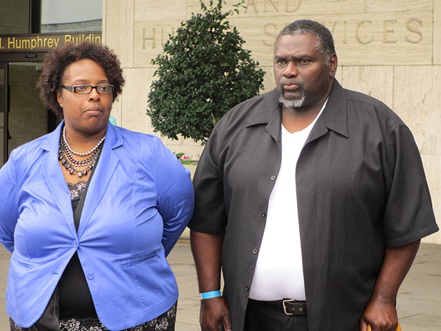 'I didn't have a clue': Sharrissa Cook, Dreshan's mom, with her father. (Photo: Angela Bradbery/Public Notice)