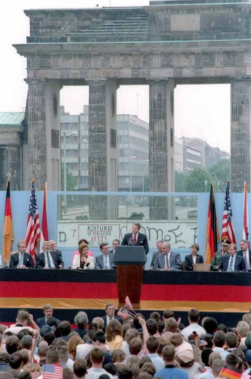 President Reagan delivers his speech at the Berlin Wall, Brandenburg Gate. (Photo: Ronald Reagan Library)