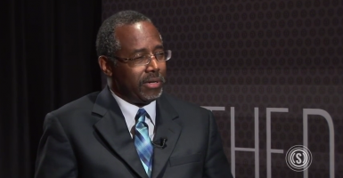 Reporters create a 'craziness narrative' on him, Ben Carson tells a Republican Party gathering.