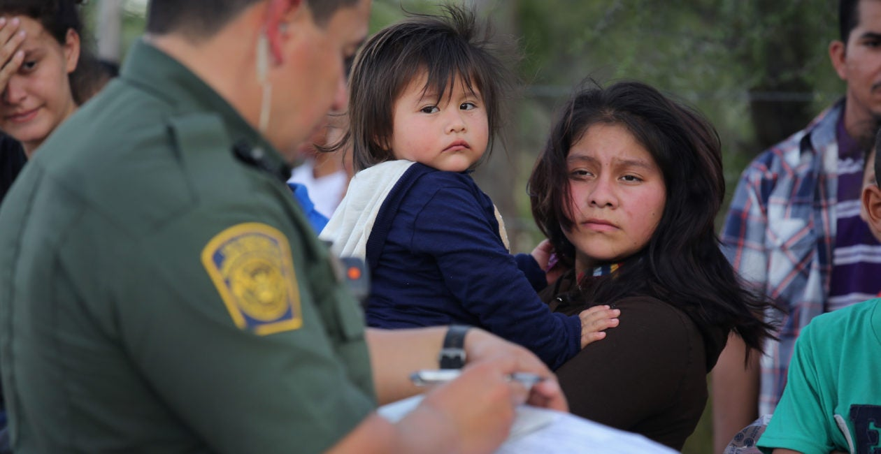 ICE Releases 218,400 Members of Migrant Families in 8 Months