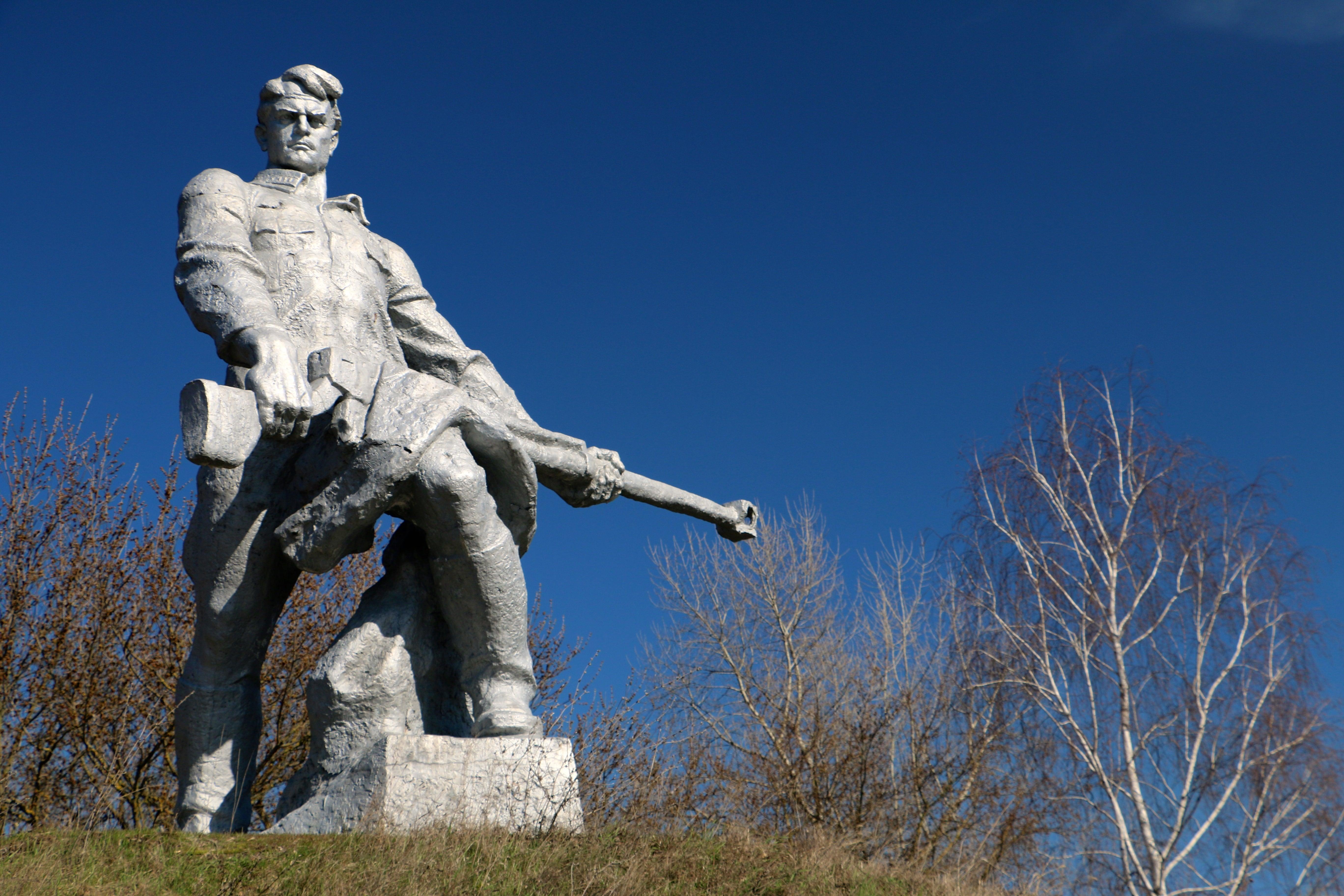 A Soviet World War II memorial outside Kaniv, Ukraine. (Photo: Nolan Peterson/The Daily Signal)