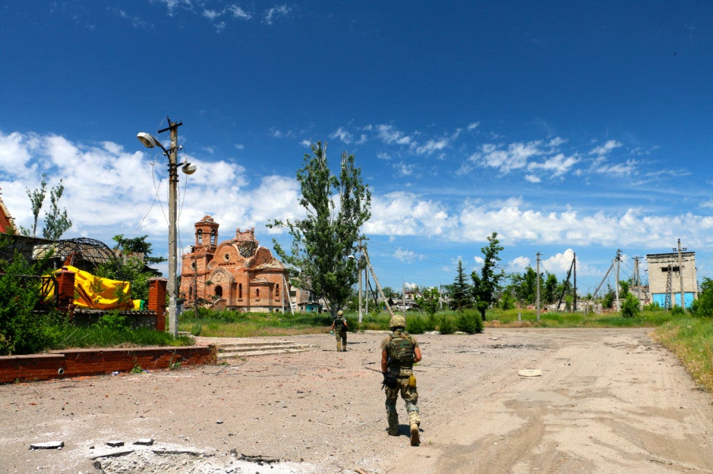 Ukrainian soldiers on patrol in eastern Ukraine. (Photo: Nolan Peterson/The Daily Signal)