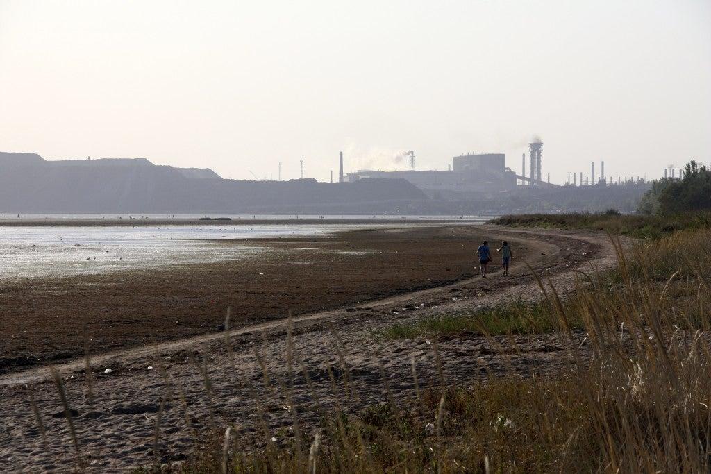 A beach in Mariupol (Photo: Nolan Peterson/The Daily Signal)