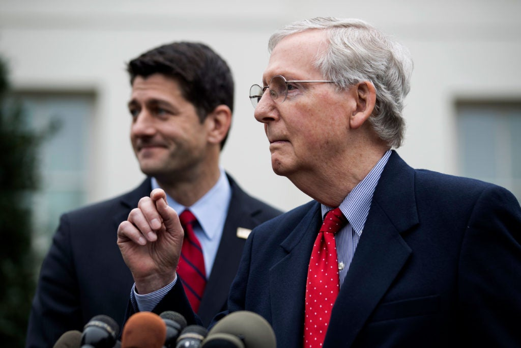 Senate Majority Leader Mitch McConnell, front, with House Speaker Paul Ryan. (Photo: Jim Lo Scalzo/EPA/Newscom)