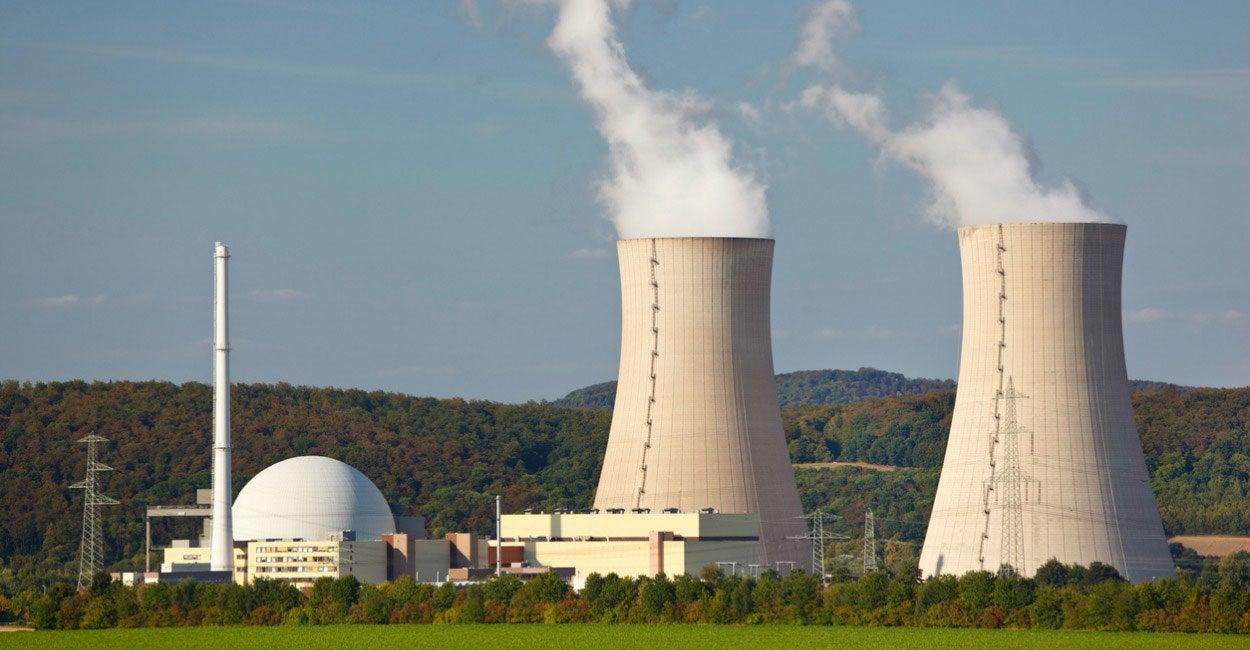 term papers nuclear energy Pros and cons of nuclear energy currently, approximately 16% of the world's electricity is generated from nuclear power that has a total installed capacity of about 370, 000 megawatts (risks and benefits of nuclear energy 16).