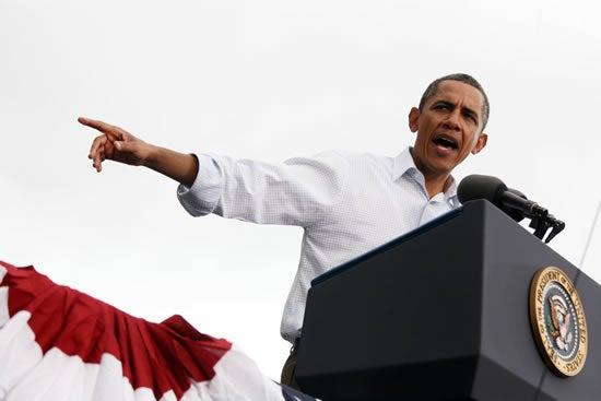 Obama-podium-pointing