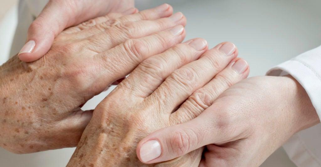 De 69 Años, el Hombre se Identifica como 49, Solicita a la Corte que Cambie Su Edad - Diario de la Señal 1