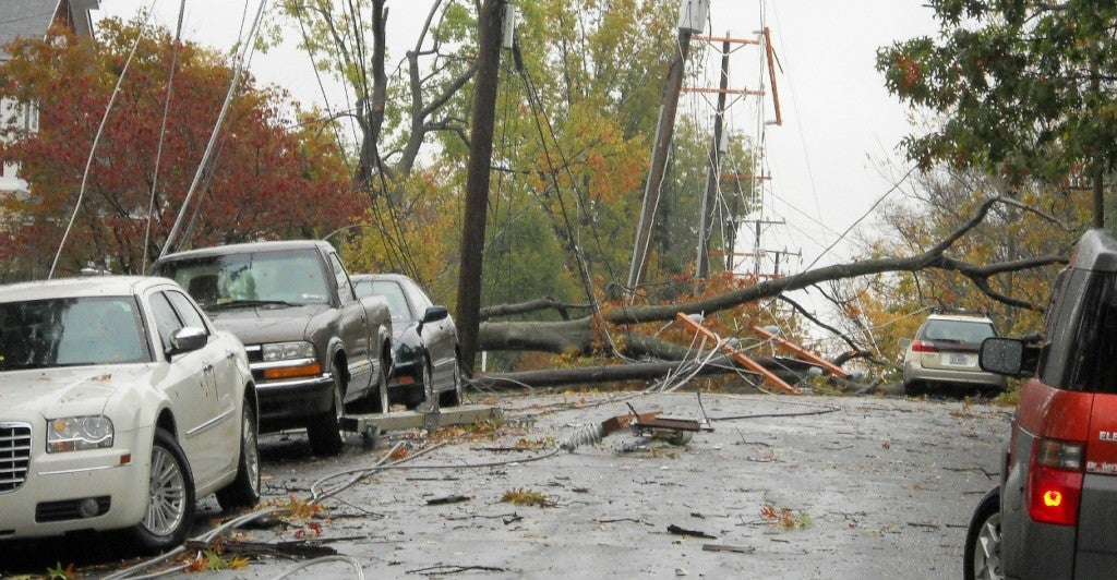 Storm Downed power lines and trees from Storm Sandy. (Photo: Arlington County Flickr / CC BY-SA 2.0)