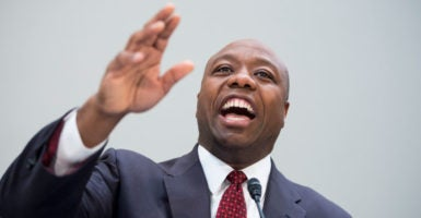 Sen. Tim Scott, R-S.C., has authored legislation that would provide federal grants to police departments that adopt body cameras. (Photo: Bill Clark/CQ Roll Call/Newscom)