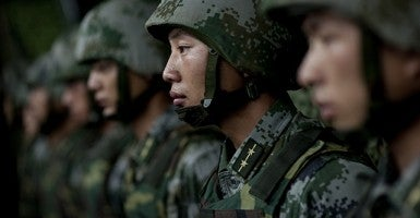 Soldiers of the Chinese People's Liberation Army (Photo: DoD/Mass Communication Specialist 1st Class Chad J. McNeeley)