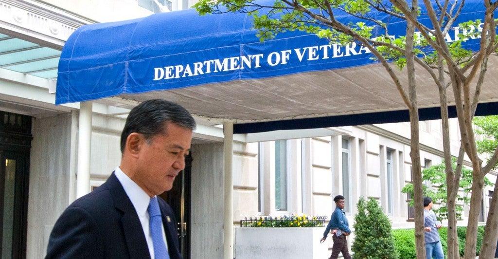 US Veterans Affairs Secretary Eric Shinseki departing the VA on his way to the White House. (Photo: AFP PHOTO/KAREN BLEIER/AFP/Getty Images)