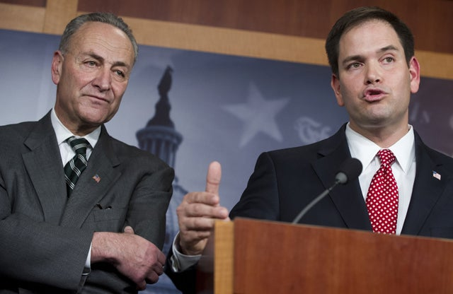 Sens. Chuck Schumer (D-NY) and Marco Rubio (R-FL). Photo: NewsCom