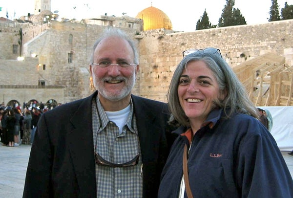 U.S. aid contractor Alan Gross and his wife Judy in a file photo from 2005. (Photo: Reuters/family photograph)