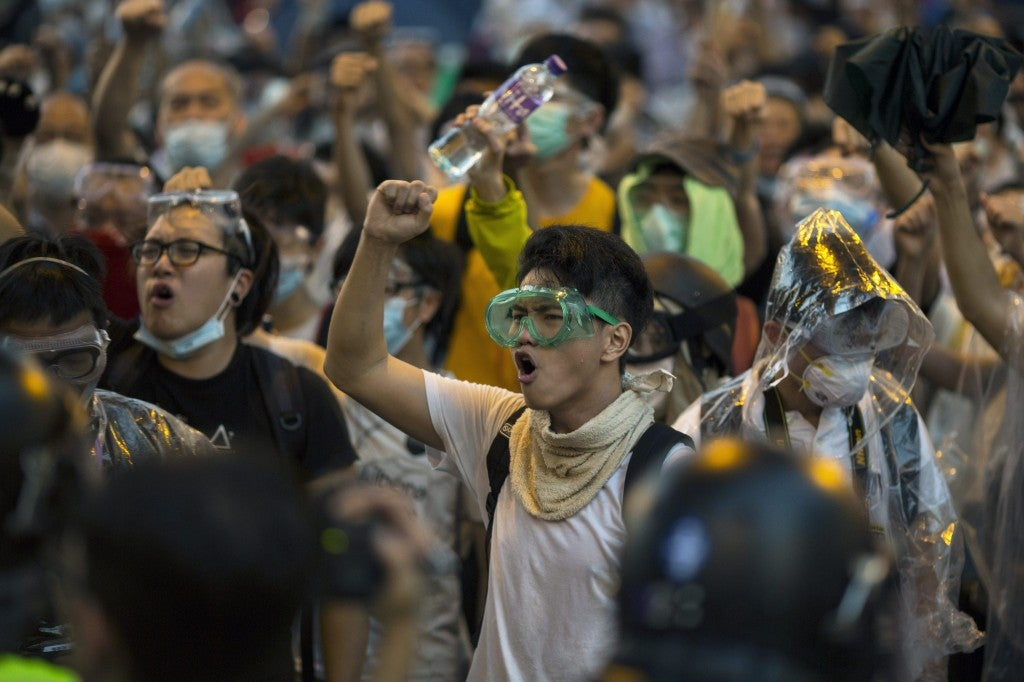 Hong Kong police clashes with Pro-democracy protesters